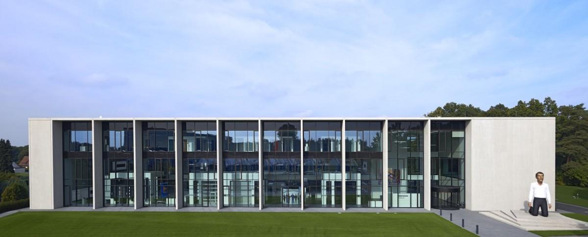 Hörmann: új oktatási és kiállítási központot nyitott